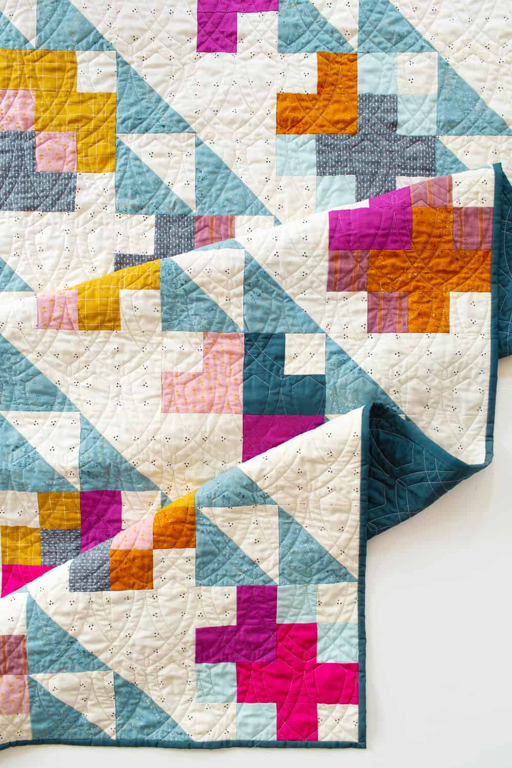 The Marcella and Mae Quilt patterns from Wren Collective -Detail of Cover Mae Version 001